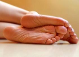 Почему постоянно мерзнут ноги?