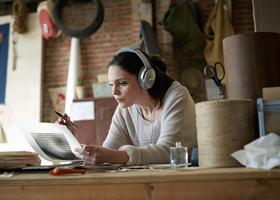 Сильный шум на рабочем месте может повысить давление