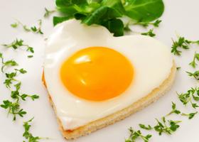 Яйца в ежедневном меню  — эффективная защита от инсульта