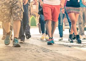 Быстрая ходьба спасет от инвалидности в старости