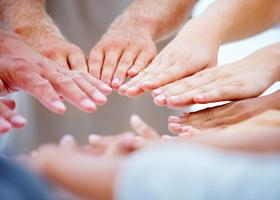 Полоски на ногтях могут быть признаком болезней сердца