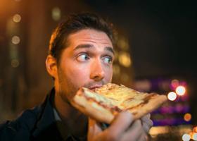 Поздний ужин увеличивает в разы вероятность инфаркта