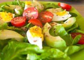 Салат с авокадо<