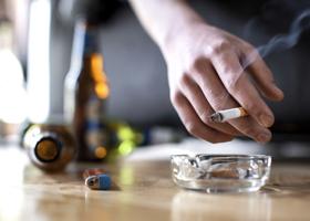 Алкоголь, кофе или сигареты: что больше всего ухудшает сон