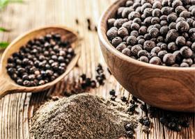 Черный перец снижает вред от жирной еды