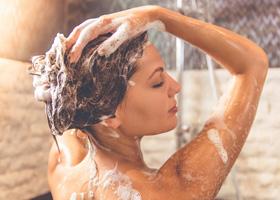 Вечерний душ полезнее, чем утренний
