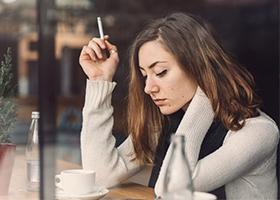 Женщинам сложнее бросить курить