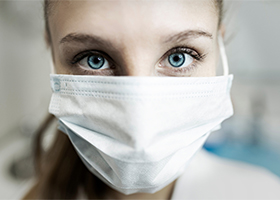 Защитные маски не влияют на дыхательный статус человека