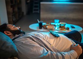 Ученые подтвердили связь ожирения с недосыпанием