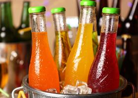 Диетологи рассказали о напитках, мешающих похудеть