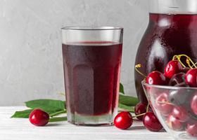 Вишневый сок полезно пить после занятий спортом